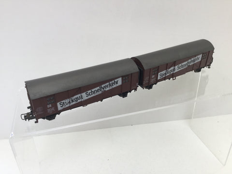 Roco HO Gauge DR Covered Goods Wagon Set 218065/218066