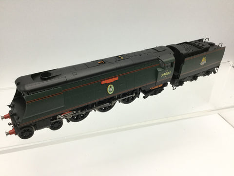 Hornby R2388 OO Gauge BR Green Battle of Britain 34083 605 Squadron (NEEDS ATTN)