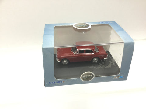 Oxford Diecast 76VA002 OO Gauge Volvo Amazon Cherry Red