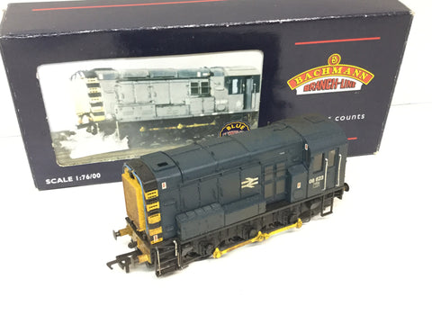 Bachmann 32-102 OO Gauge BR Class 08 Shunter 08623 BR Blue (Weathered)