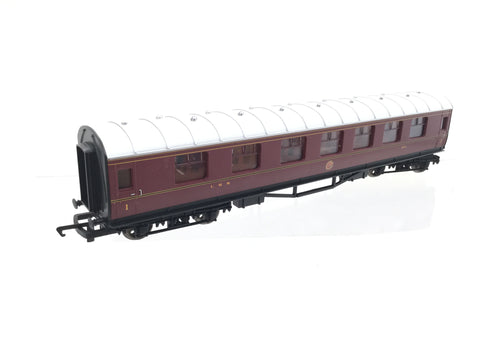 Hornby R1170 OO Gauge LMS Stanier Composite Coach 1574