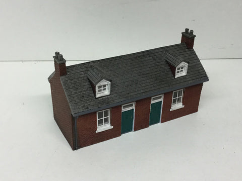 Hornby R8972 OO Gauge Miners Cottages