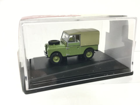 Hornby R7031 1:76/OO Gauge Land Rover Soft Top Weathered