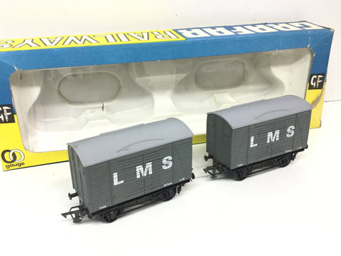 Graham Farish 12401 OO Gauge Twin Vent Van LMS 7126 x2