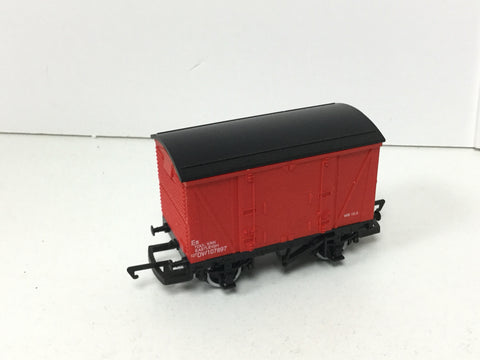Hornby R045 OO Gauge BR VEA Vanwide DW 107897 Eastleigh Red Livery
