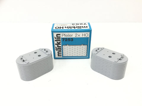 Marklin 7253 HO Gauge Pair of 30mm Brick Pillars (NEW)