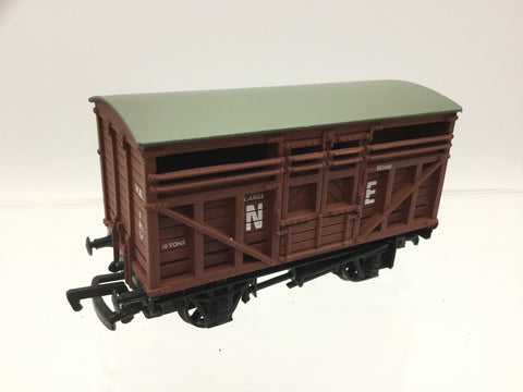 Bachmann 33-651 OO Gauge NE Cattle Wagon 502680