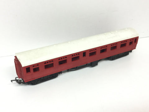 "Triang OO Gauge BR 9"" Composite Coach Red Livery"