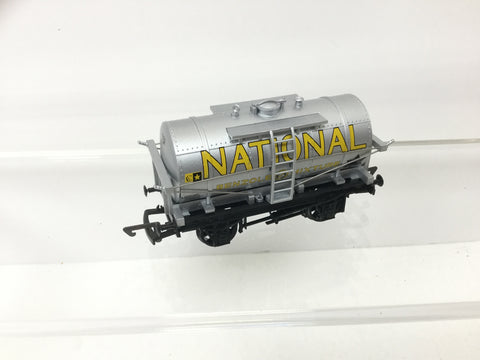 Dapol B132 OO Gauge 12t Tank Wagon National Benzole