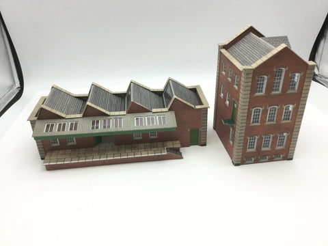 Metcalfe PO283 OO Gauge Small Factory BUILT KIT
