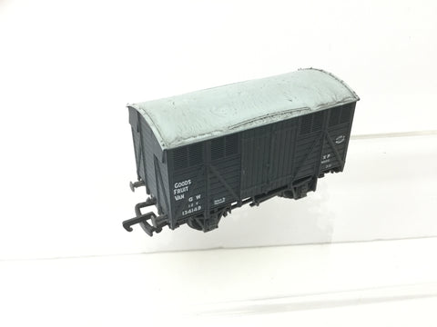 Mainline 37-174 OO Gauge GWR Fruit Van 134149 (Weathered)