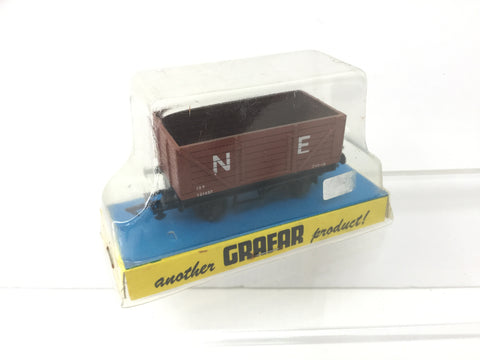 Graham Farish 12102 OO Gauge NE 7 Plank Wagon 131457
