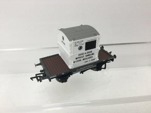 Bachmann 37-975 OO Gauge GWR Conflat A Wagon w Container 39354