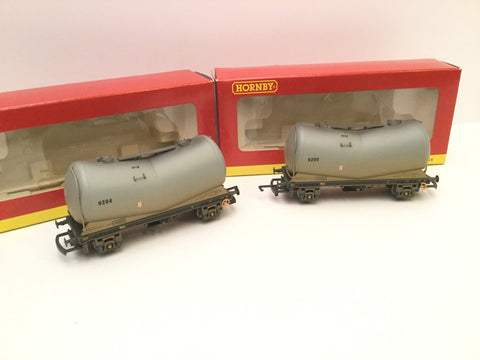 Hornby R6153 OO Gauge PCA V Tanker Cement Wagons 2 of