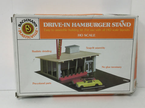 Bachmann 45434 HO Gauge Drive-In Hamburger Stand Kit