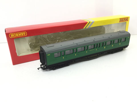 Hornby R4743 OO Gauge SR Maunsell Composite Coach 5505
