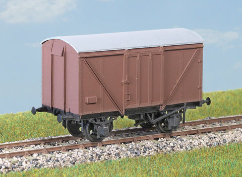 Parkside PC06A OO Gauge BR(LNER) Plywood Goods Van Kit