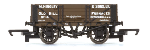Hornby R6745 OO Gauge 4 Plank Wagon Hingley & Sons