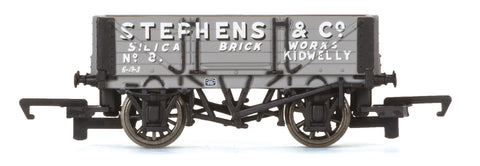 Hornby R6746 OO Gauge 4 Plank Wagon Stephens & Co