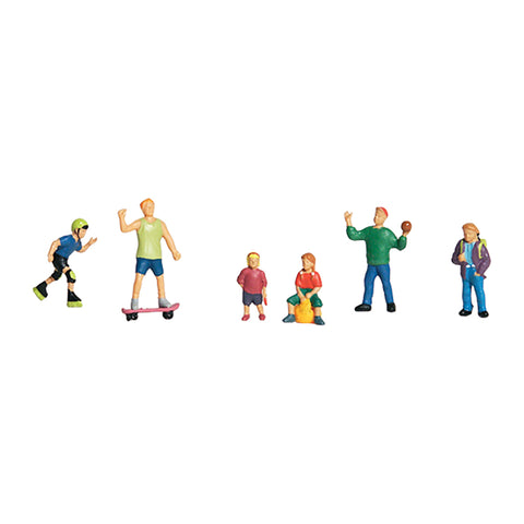 Woodland Scenics A1830 HO/OO Gauge Kids at Play Figures