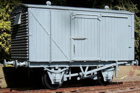 "Cambrian C101 OO Gauge LMS 12ton Van Kit (Ventilated, ""Steel ends"") (D1832A) Kit"