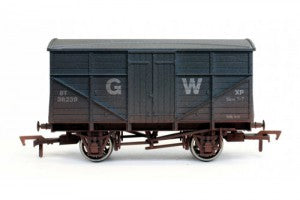 Dapol 4F-015-010 OO Gauge GWR Fruit Mex Wagon 38239 Weathered