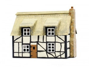 Dapol C020 OO Gauge Thatched Cottage Plastic Kit