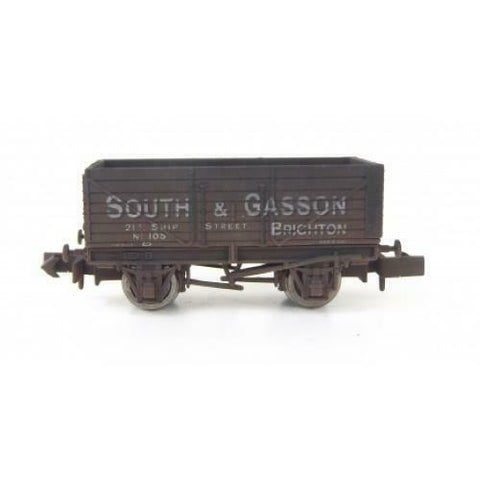 Gaugemaster GM2410102 N Gauge 7 Plank Wagon South & Gasson 105 Weathered