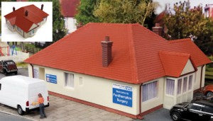 Gaugemaster GM410 OO Gauge Fordhampton Rest Home/Doctors Surgery Plastic Kit