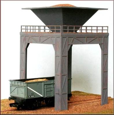 Knightwing PM102 OO Gauge Gravel Loader Plastic Kit