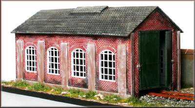 Knightwing PM112 OO Gauge Single Road Engine Shed Plastic Kit