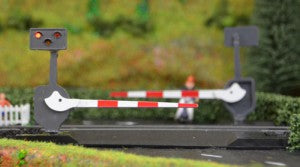 Train-Tech LCN10P N Gauge Level Crossing w Light and Sound (Pair)