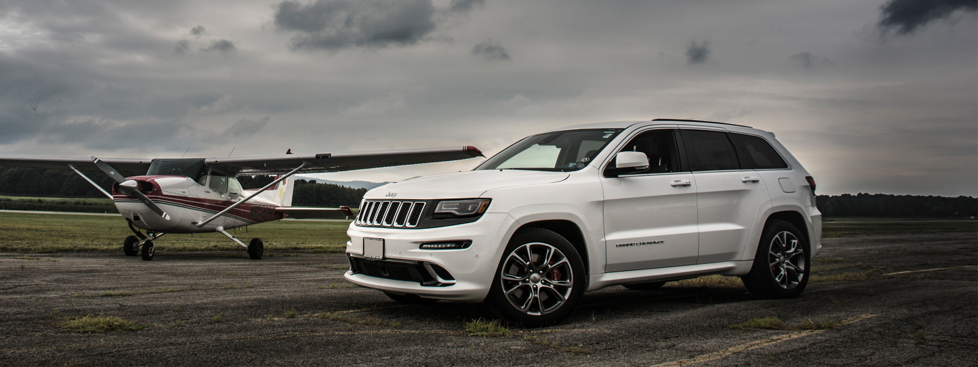 Jeep Grand Cherokee Accessories Floor Mats Cargo Trays Luggage Carriers And All Your Grand Cherokee Accessories Jeep World