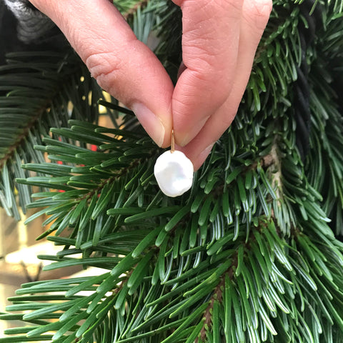 WHITE PEARLS, Pendant
