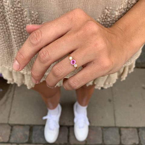 ALIGNED, Arranged Ring, pink