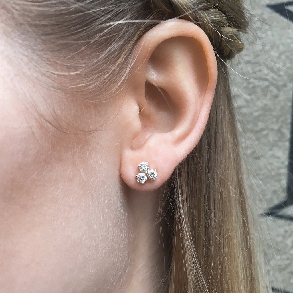 OLYMPIA, Hermes Studs