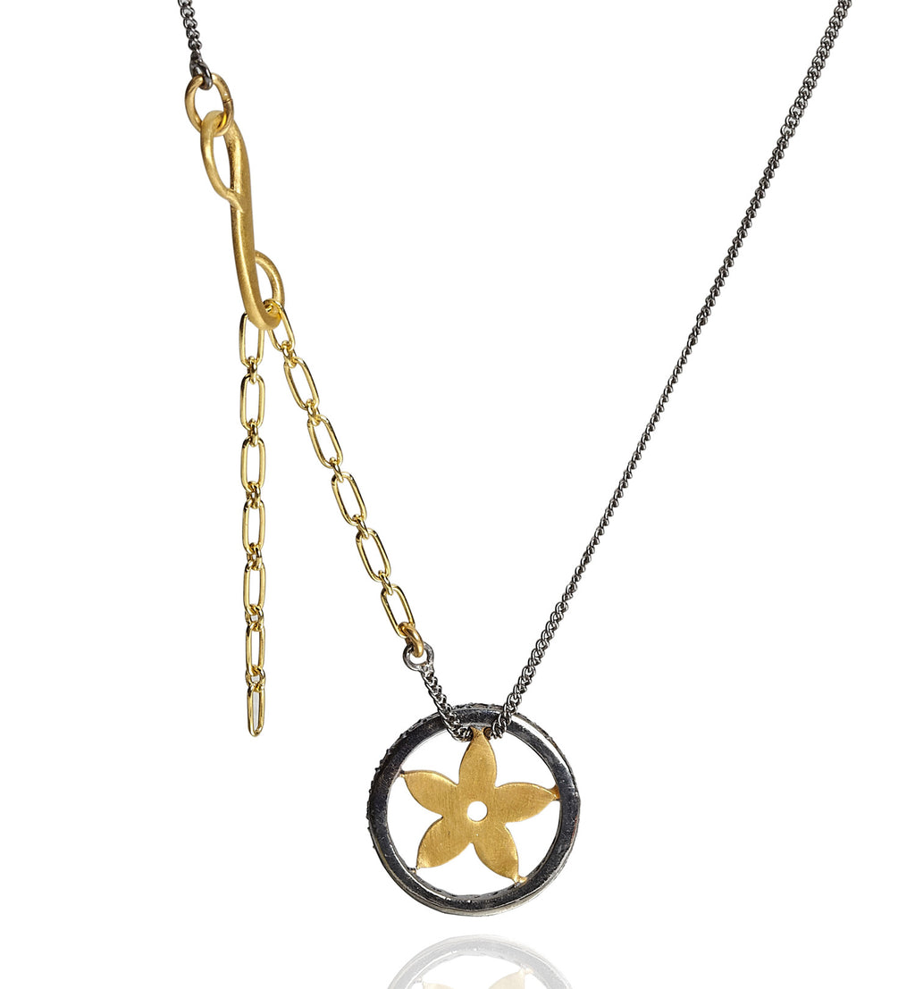 STARFLOWER, Decorated Star Necklace