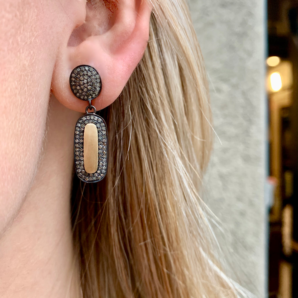 SUPER ELLIPSE, Exaggerated Earrings