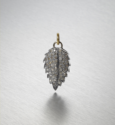 BLACKBERRY, Leaf Pendant