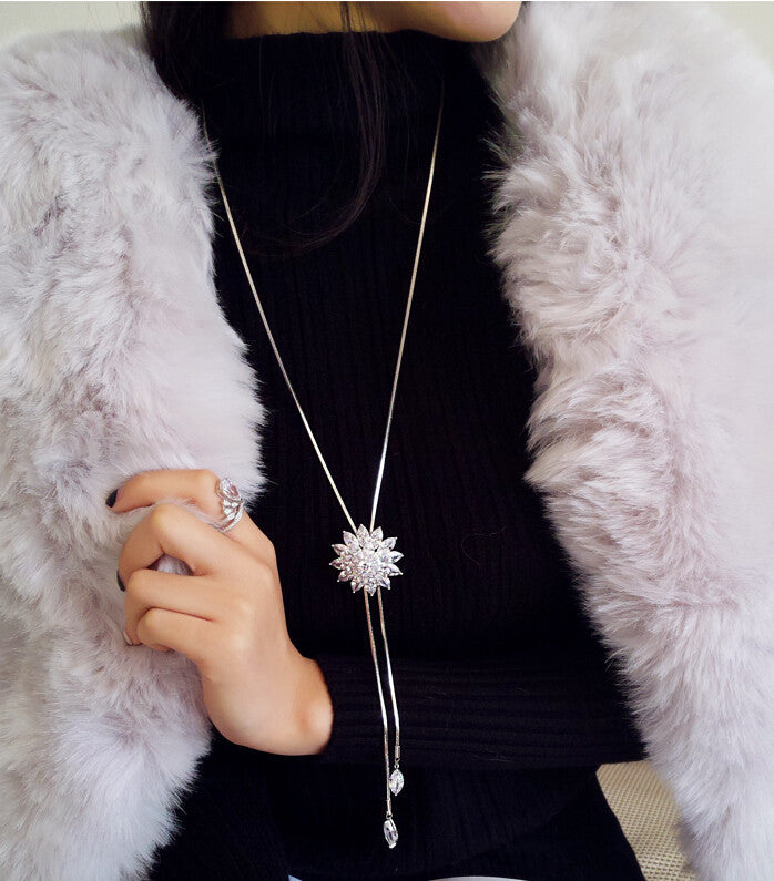 Long Snowflake Pendant Necklace