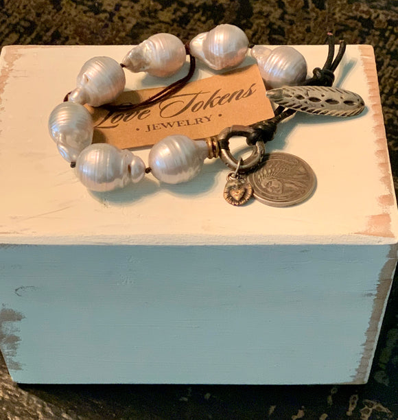 Love Tokens White Pearl Bracelet With Pendant