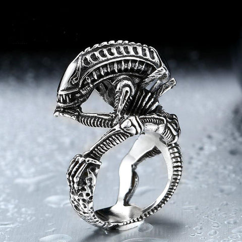 Alien Predator Skull Ring