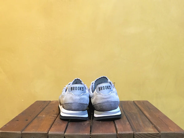 d94e8ea82a4bb 110178 1D 205 Brooks Chariot Athletic Grey White – Stars and Stripes