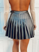 Knit Faux Flare Pleated Mini Skirt
