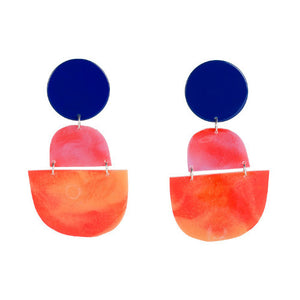 OVERSIZED HALF CIRCLE EARRINGS