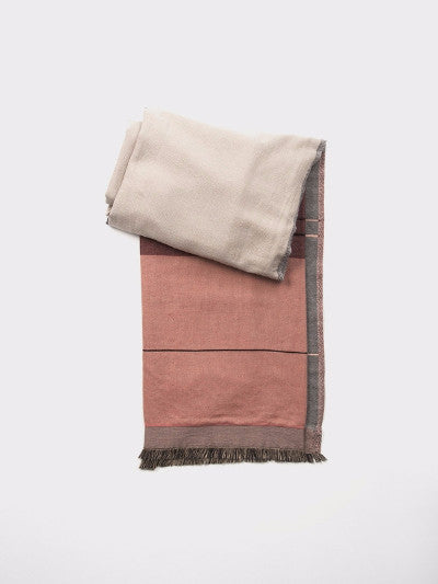 ROSE COLOR BLOCK THROW