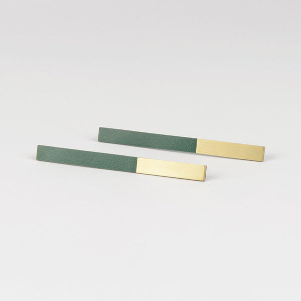 FORM BAR EARRING-BRASS AND FOREST