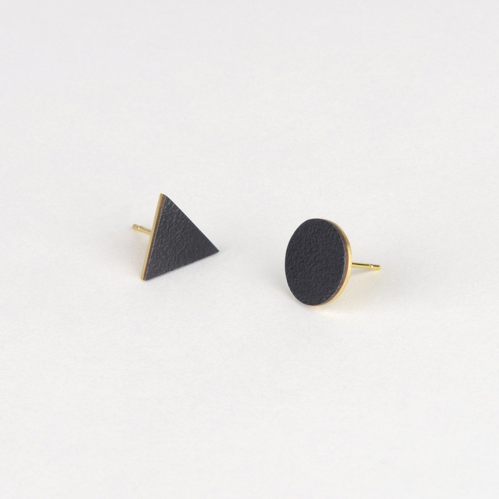 MIX MATCH EARRINGS - BLACK