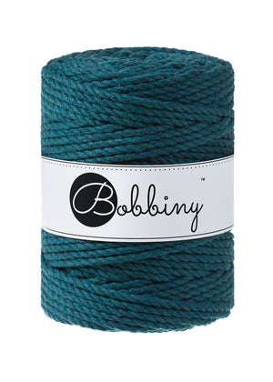 This superb new product from Bobbiny is the latest addition to their gorgeous range of products.  Made from 100% recycled cotton, it is perfect for Macrame projects due to its sturdiness. It contains no harmful dyes or chemicals and is OEKO-TEX certified.  This super soft triple twist rope also makes the most spectacular fringes and tassels.  Length: 100m (108 Yards)  Weight: 800gms  Contains 120 Fibres ( 3x40 )  Also available in 3mmj