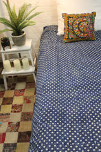 Load image into Gallery viewer, Twin/Double Indigo Bed Cover